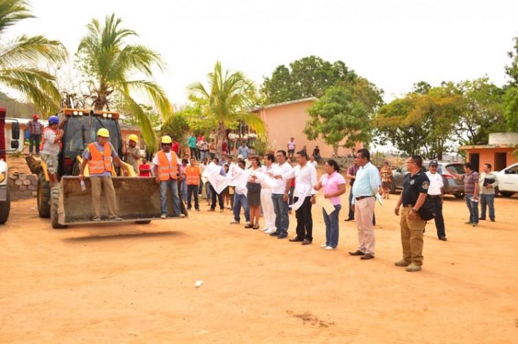 mejoramiento-escuelas-zihuatanejo